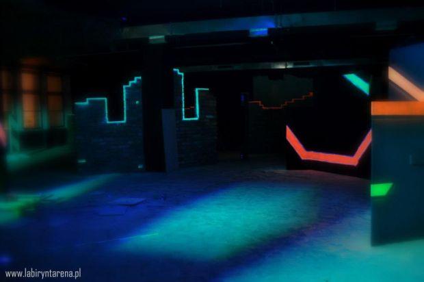 Zdjęcie pochodzi ze strony: LABIRYNT Laser Tag Szczecin na FB