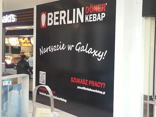 Berlin Doner Kebab pojawił się w Galaxy. Jeden z lepszych jakościowo kebsów w naszym mieście. I co ważne - jakościowo cały czas taki sam, co nie jest standardem w malutkich budkach z kebabami. Raz dobry, a drugi raz już kompletnie do luftu.