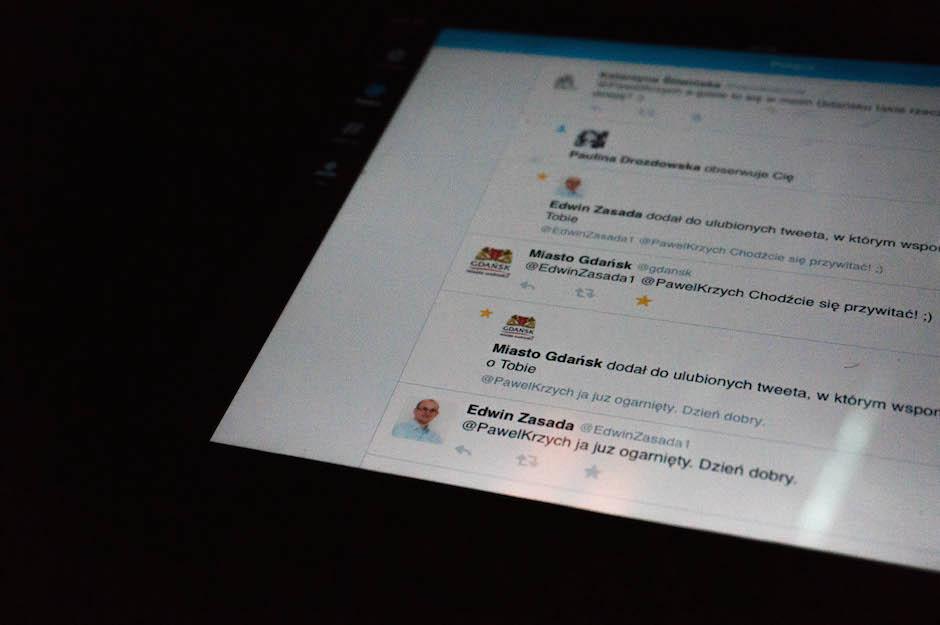 Nieodłącznym elementem Infoshare jest komunikacja via Twitter. Setki, jeśli nie tysiące tweetów z tym tagiem. Czapki z głów dla oficjalnych profilów Miasta Gdańsk – z nimi wejdziesz w interakcję nawet o 1 w nocy! Szczecinie, ucz się! ;)