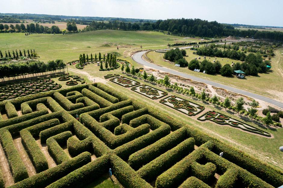 Labirynt przy ogrodach Hortulus