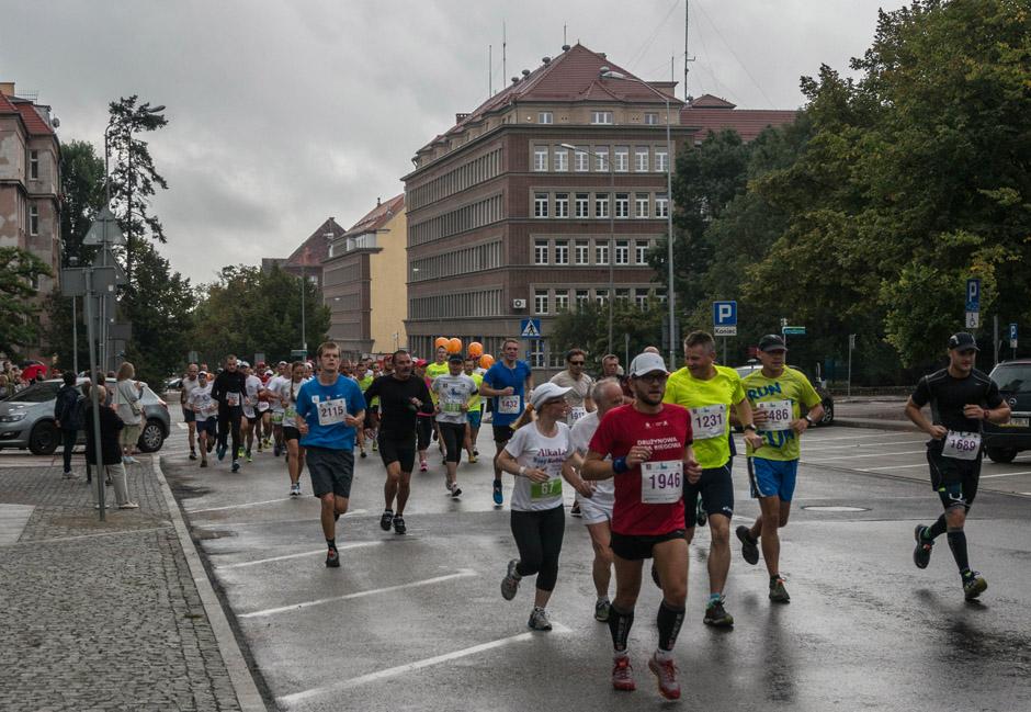 I tutaj jużbiegacze. Było ich naprawdę sporo - jak widać na załączonym obrazku: Szczecin biega!
