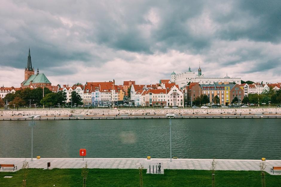 Widok z Business Link Szczecin. Tak, tak, wiem, zdjęcie jest minimalnie nieaktualne, nie ma płotu pod budowę nowej kamienicy.