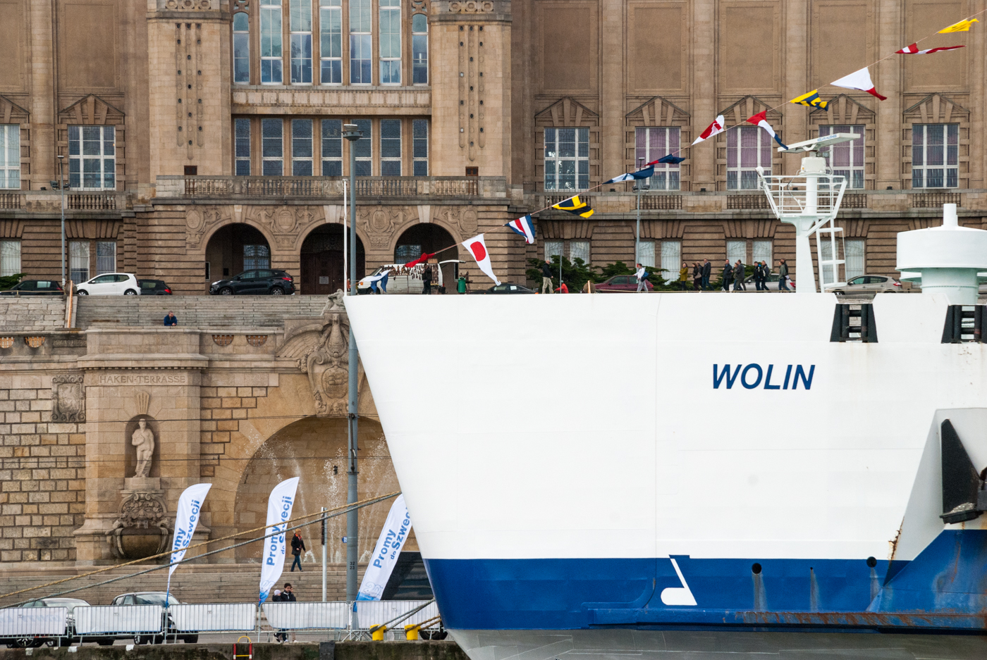 Unity Line Wolin