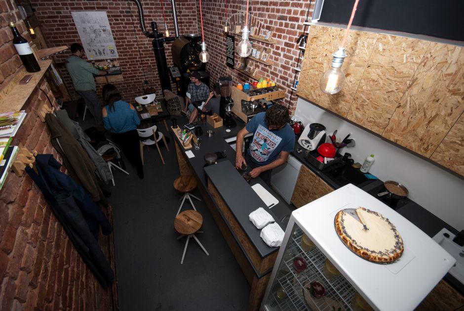 Klimatyczne wnętrze kawiarni