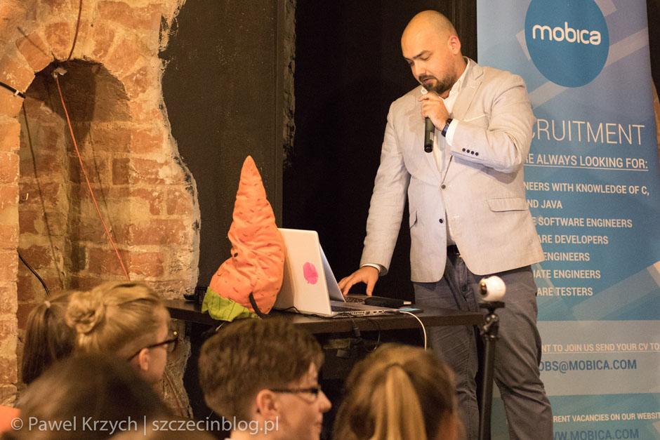 Bartosz Kolasiński opowiedział Karotkom o zabezpieczeniach w Internecie.