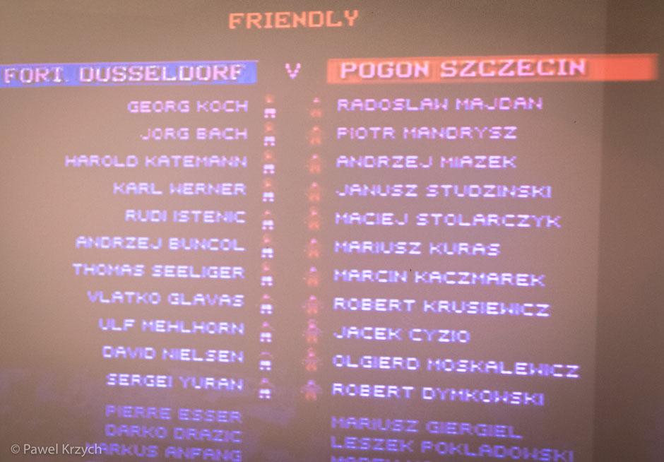 Na pierwszy ogień poszło Sensible Soccer. Ah, to był najlepszy skład Pogoni Szczecin.